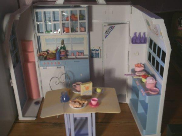 maison monster high la cuisine themonsterhighxxx de youtube. Black Bedroom Furniture Sets. Home Design Ideas