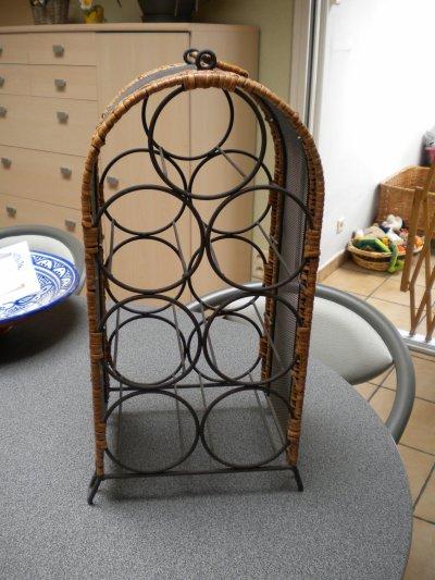 magnifique porte bouteille en fer forg 20 blog de. Black Bedroom Furniture Sets. Home Design Ideas