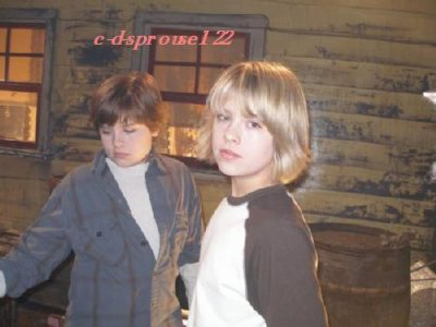 Sprouse Twins 2013 Vacation | Short News Poster